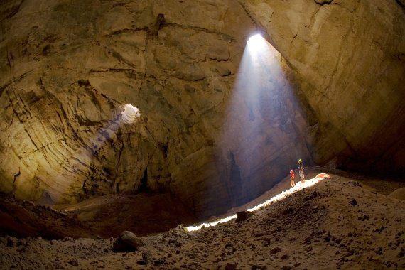 Grotta dei monti Hajar