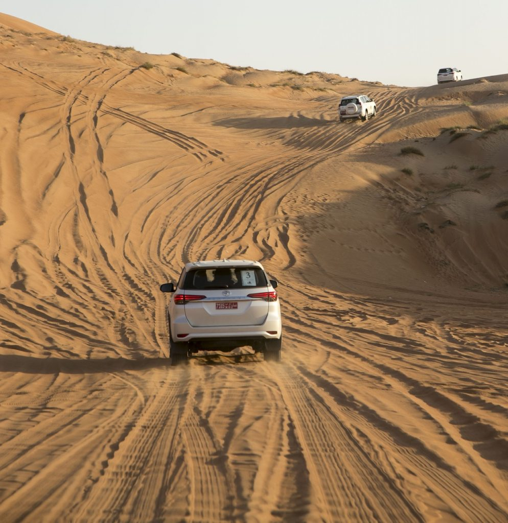dune bashing al Wahiba Sands